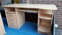 Nr. 8 Schreibtisch